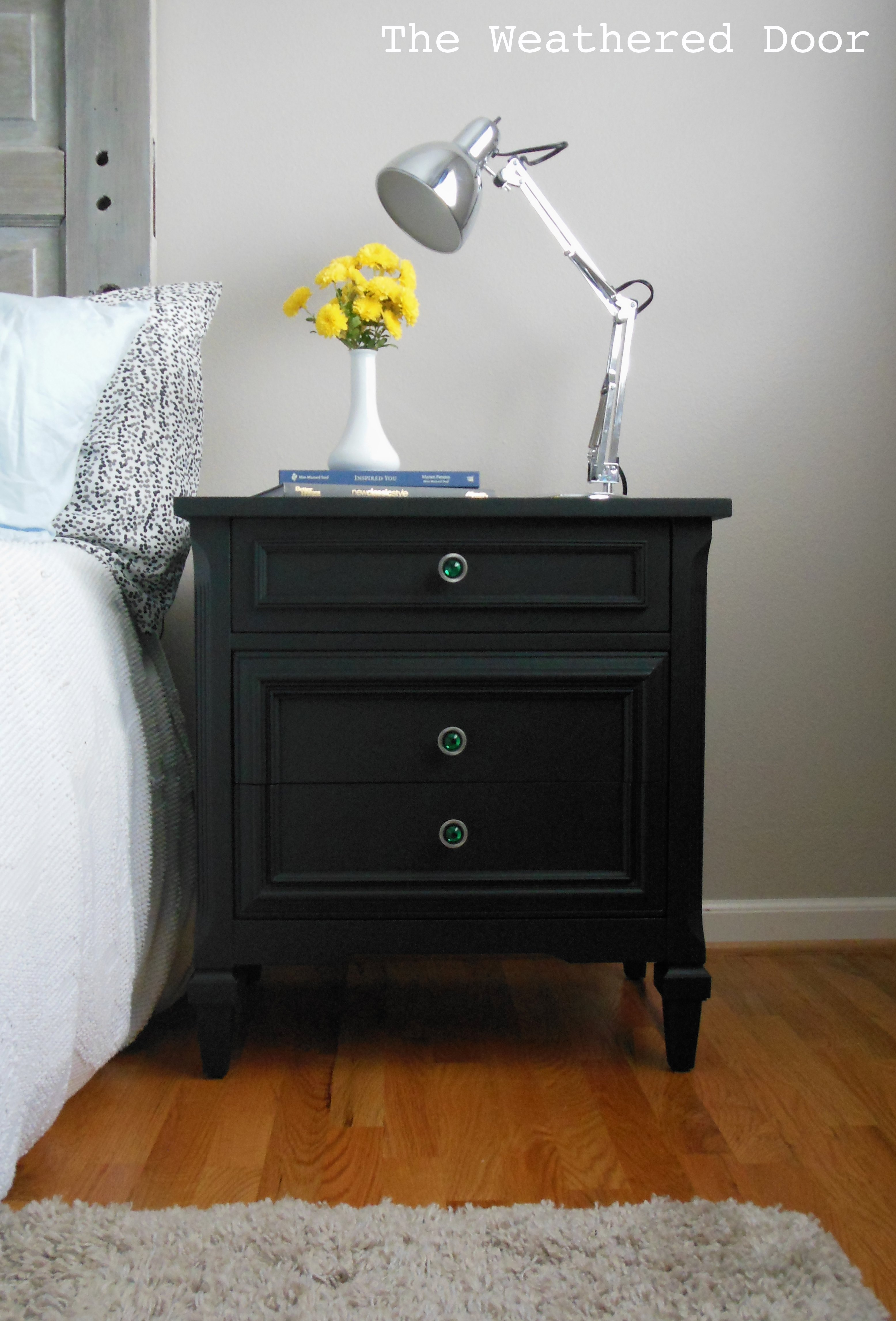 black nightstands with emerald knobs WD 5
